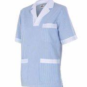 Blusón de señora de manga corta con stampado de rayas azules y blancas.