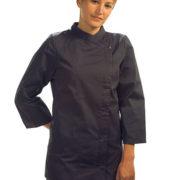 Chaqueta cocina para señora de manga 3/4, entallada, cierre central con tapeta y corchete oculto.