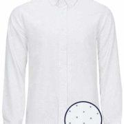 Camisa señor blanca con lunares azul marino.