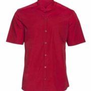 Camisa de señor manga corta de cuello mao con bolsillo superior en lado izquierdo.